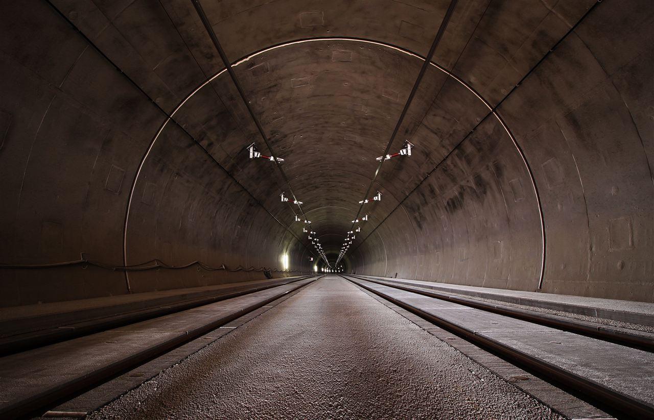 地铁隧道有隐患 激光检测来把脉