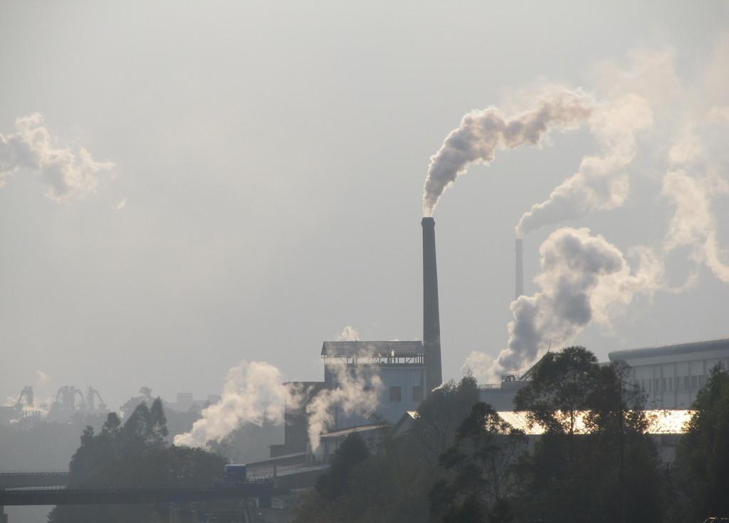大气污染治理 阵痛中寻求 突围